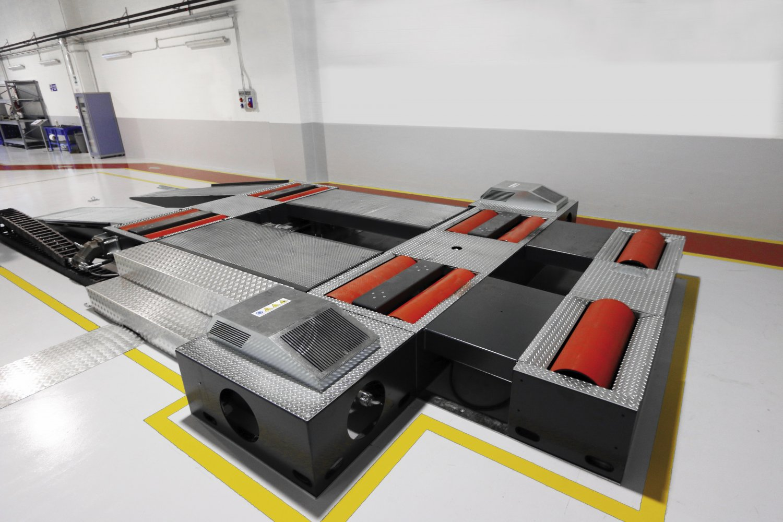 banc de puissance poids lourds dynotruck dynotruck prix de l 39 quipement de l 39 ann e. Black Bedroom Furniture Sets. Home Design Ideas